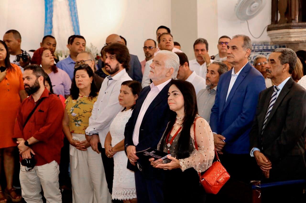 Resultado de imagem para Em missa, devotos de Santo Amaro de Ipitanga aplaudem proposta de retorno de Lauro de Freitas ao antigo nome