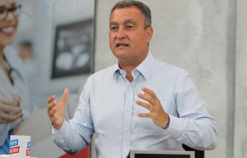 Governador sanciona aumento de benefícios de diretores e vice-diretores