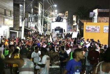 Abertura do Carnaval de Areia Branca foi animado ao som do pagodão