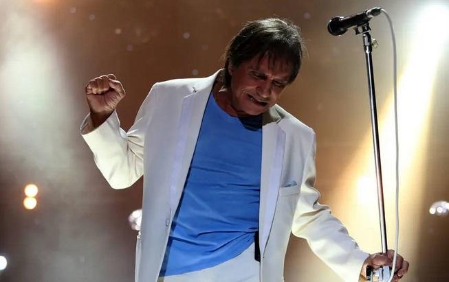 Roberto Carlos faz live 'quebra tabus' no dia de seu aniversário