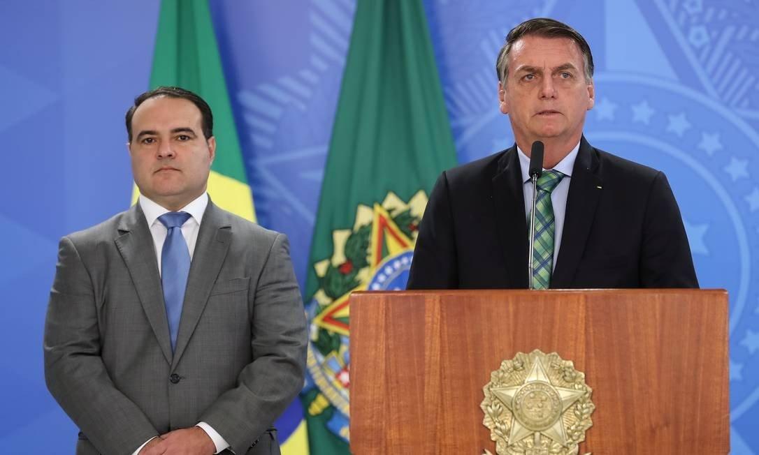 Sob pressão, Bolsonaro adia escolha do novo ministro da Justiça