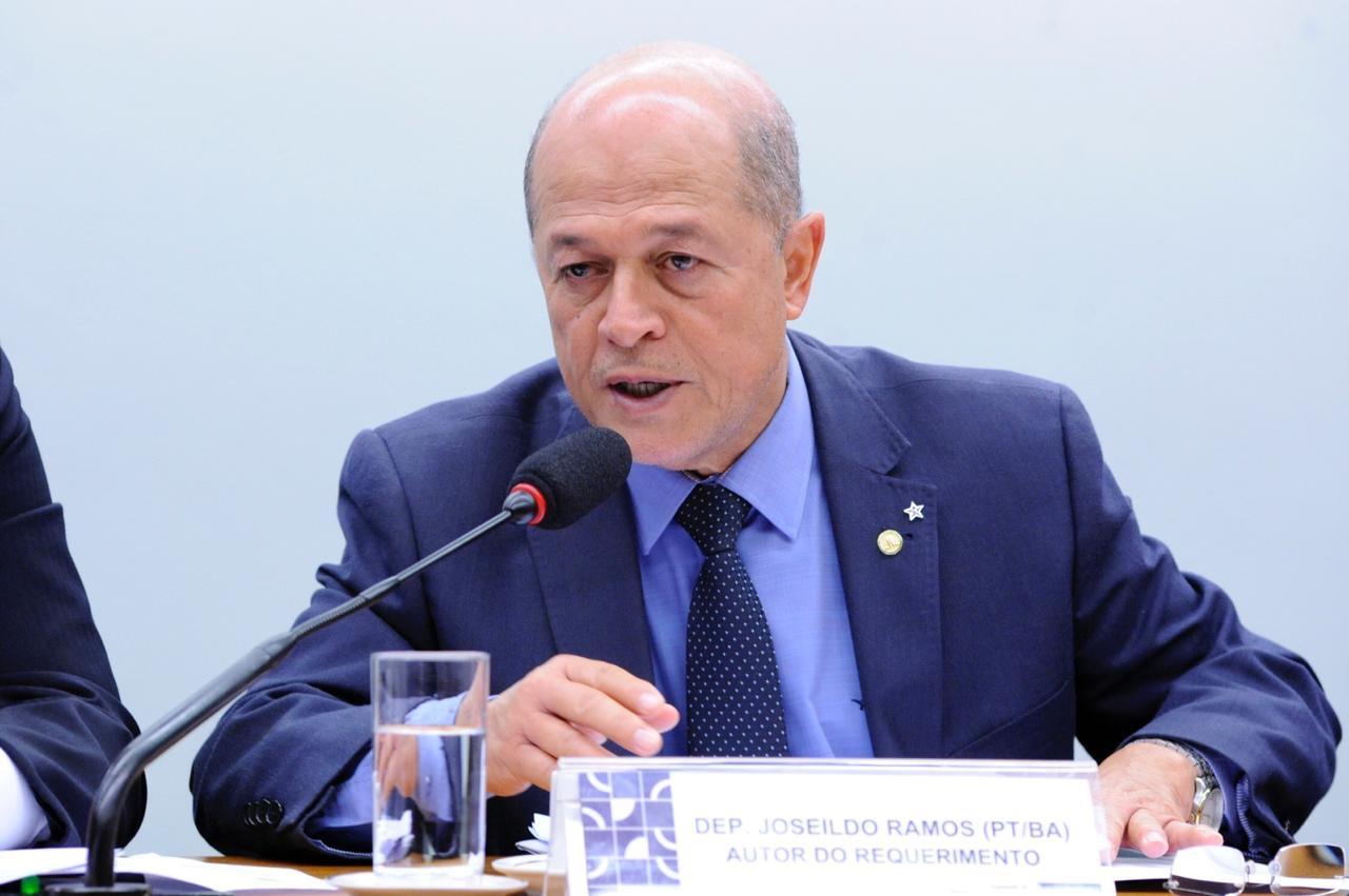 Petrobras pode fechar 4 mil postos de empregos na Bahia, critica Joseildo