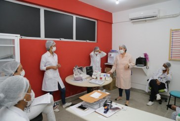 Enfermeiras da UPA recebem treinamento para manejo de casos suspeitos de Covid-19
