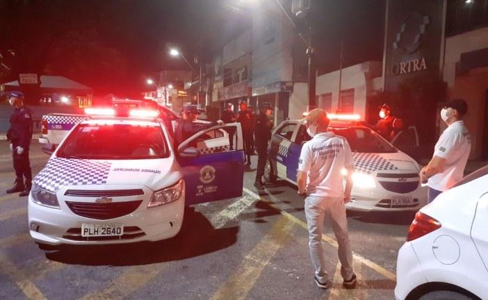 Prefeitura interdita estabelecimentos que descumprem decretos de prevenção ao coronavírus