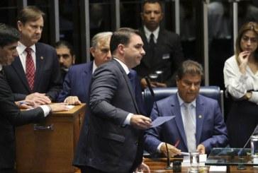 Partidos pedem no Conselho de Ética do Senado cassação de Flávio Bolsonaro