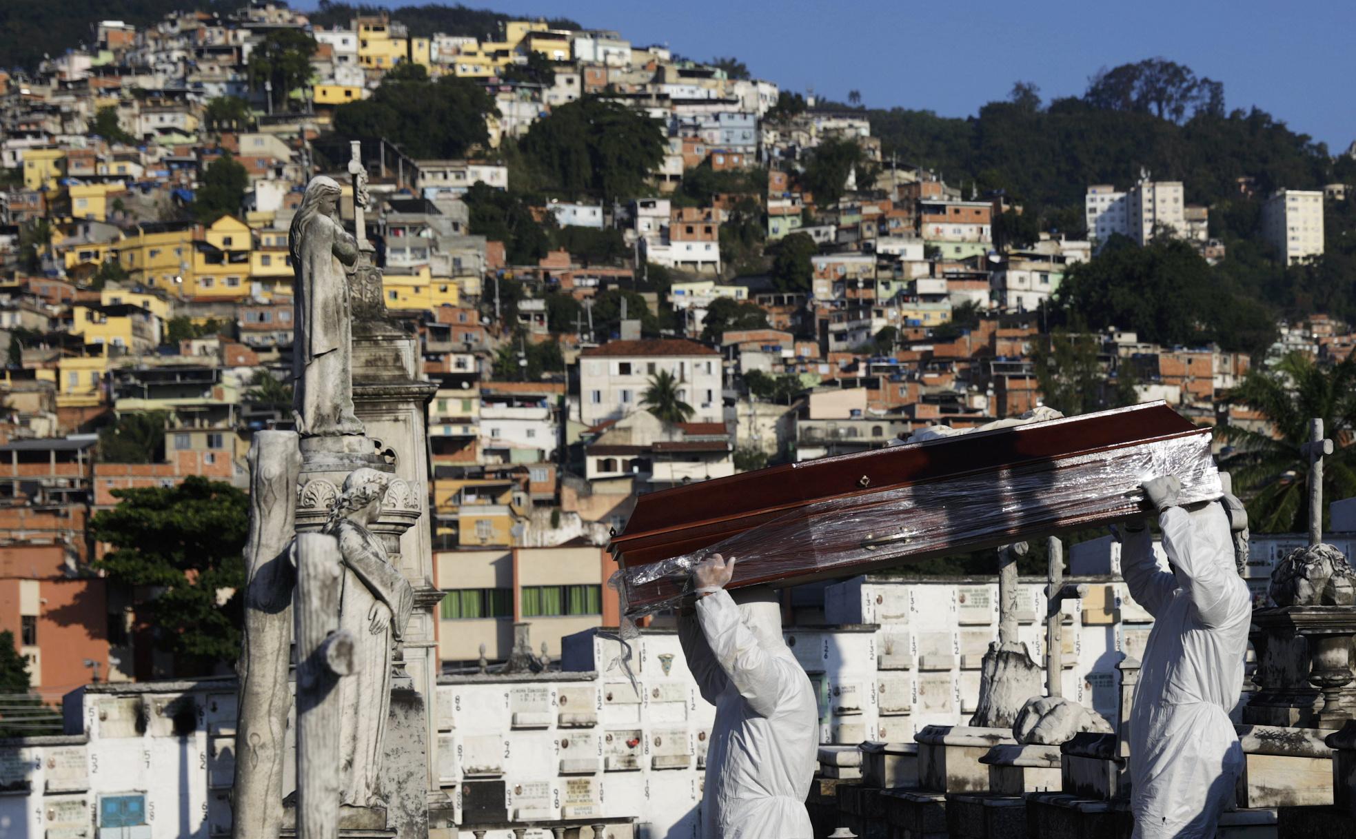 Brasil registra 1.179 mortes por Covid-19, recorde para um único dia