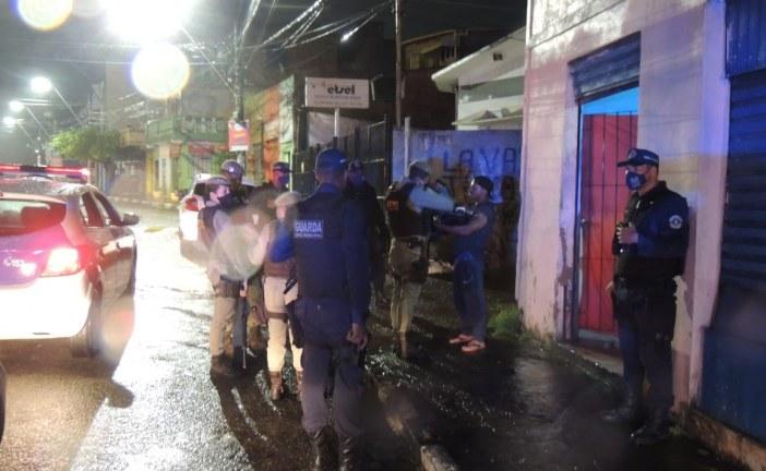 Operação Toque de Recolher: Força Tarefa fecha Bar no Centro de Lauro de Freitas