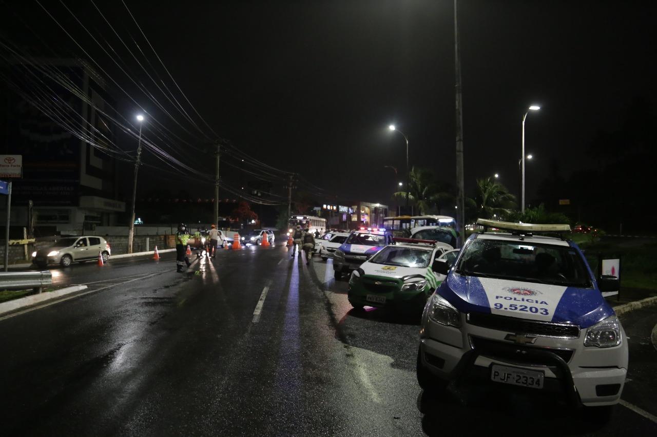 Lauro de Freitas antecipa feriados e prorroga decreto de restrição de circulação noturna em todo o município