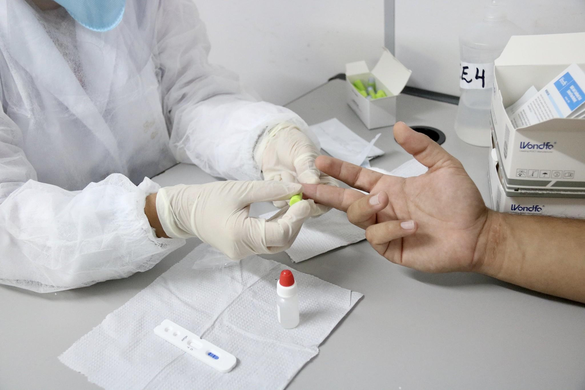 Lauro de Freitas usa testes rápidos para diagnosticar coronavírus