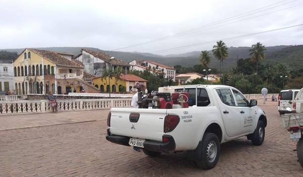 Servidor com Covid-19 pode ter infectado prefeito, secretários e assessores na Bahia; cidade teve aumento de 2000%
