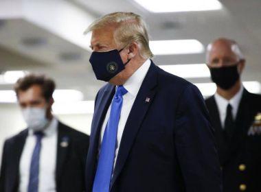 Donald Trump aparece em público usando máscara pela primeira vez