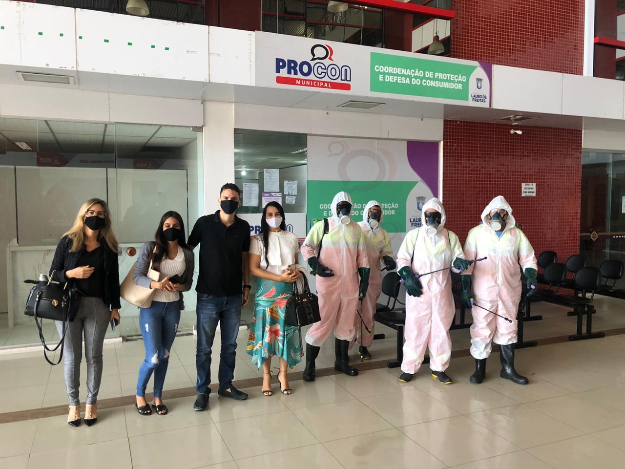 Lauro de Freitas: Unidade do Procon recebe equipe de higienização
