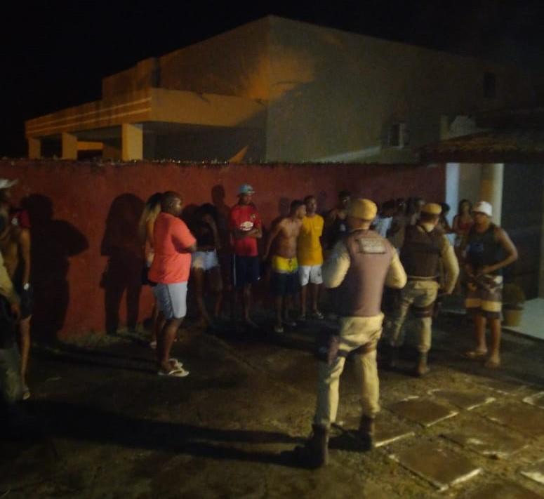 PM encerra Covid Fest com 20 jovens em Ipitanga