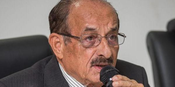 """""""Morra quem morrer"""" diz prefeito de Itabuna ao anunciar reabertura do comércio da cidade; veja vídeo"""