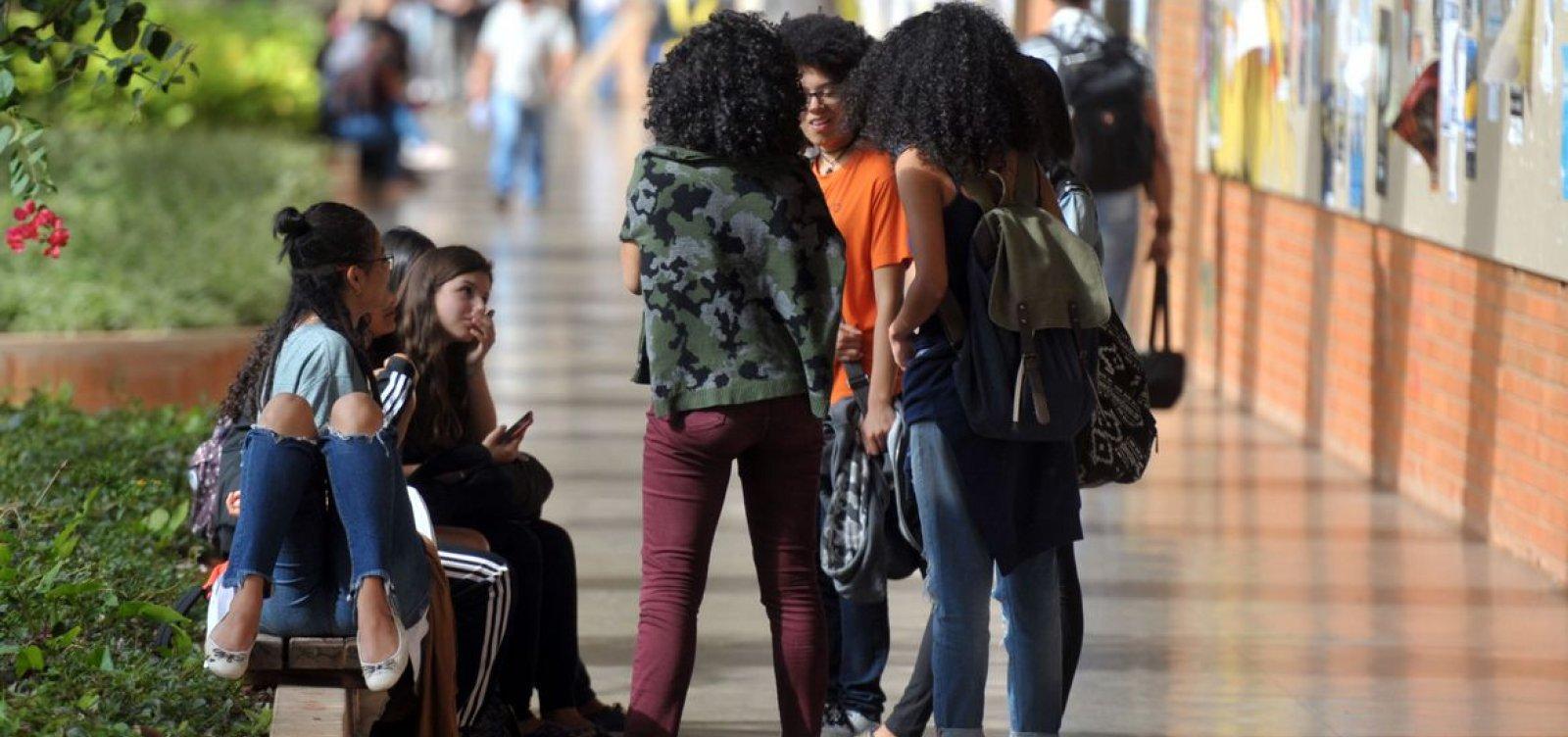 Estudantes com Fies podem suspender parcelas a partir desta segunda