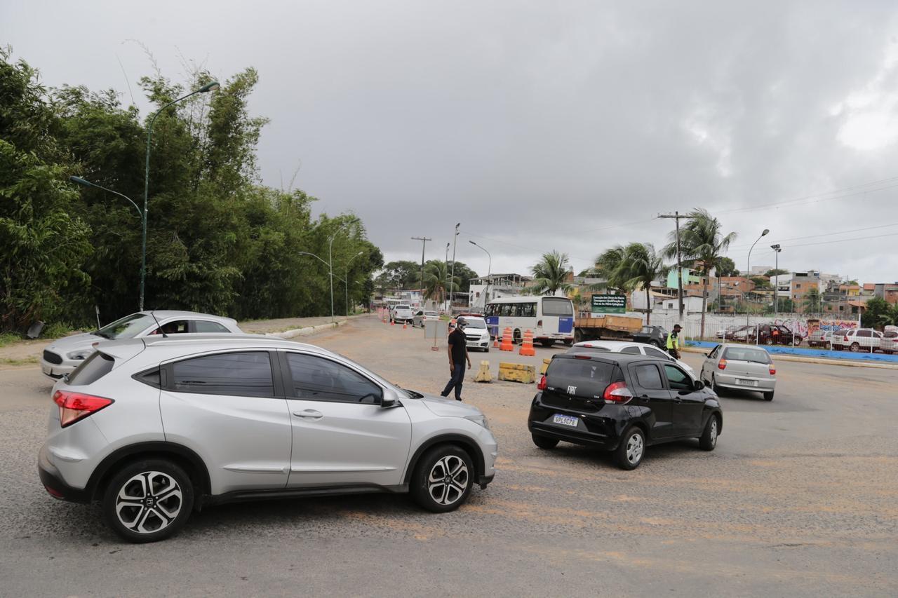 Prefeitura implanta mão dupla temporária em trecho da Avenida Beira Rio