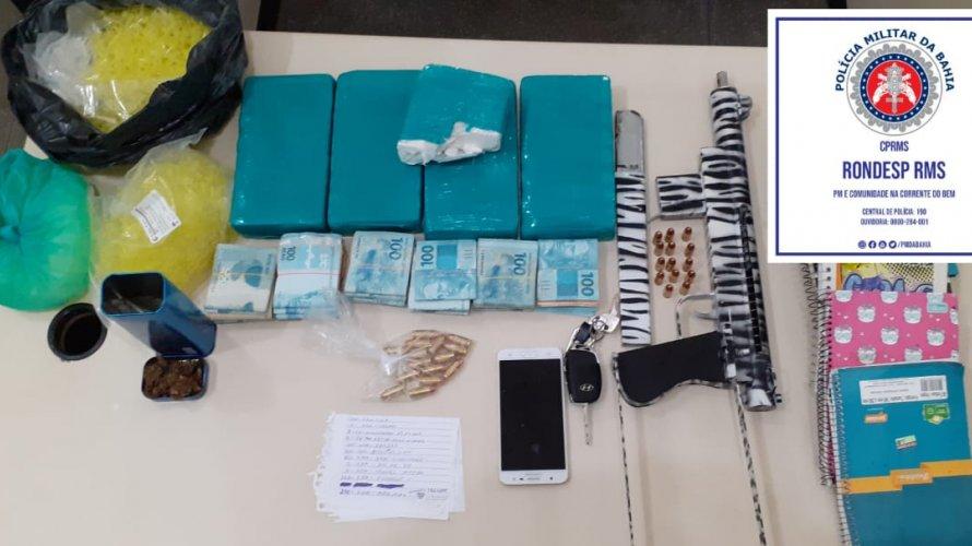 Homem apontado como líder de facção é preso com submetralhadora, 31 mil reais e cocaína em Lauro de Freitas