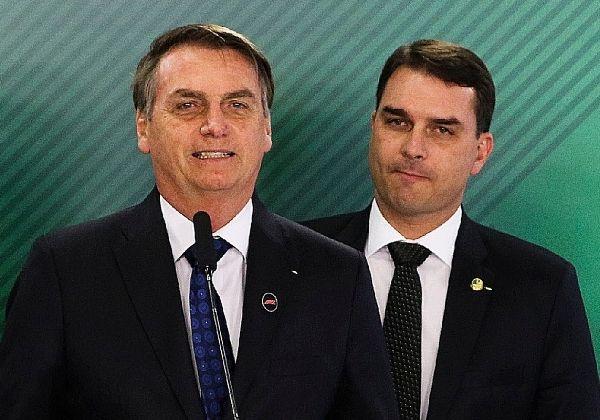 Lewandowski envia notícia-crime à PGR contra Bolsonaro por ato ilegal em defesa de Flávio