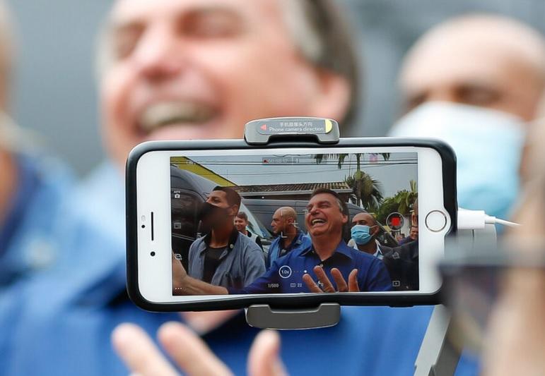 Bolsonaro escancara sua segunda onda de sabotagem no combate à pandemia