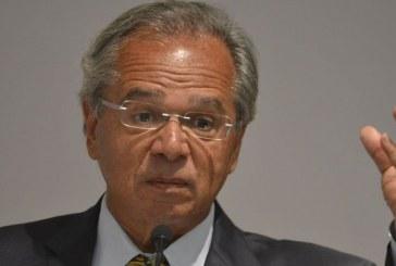 Governo vai prorrogar auxílio emergencial se houver 2ª onda de Covid-19, diz Guedes