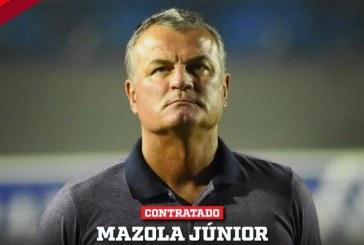 Vitória anuncia contratação do técnico Mazola Júnior