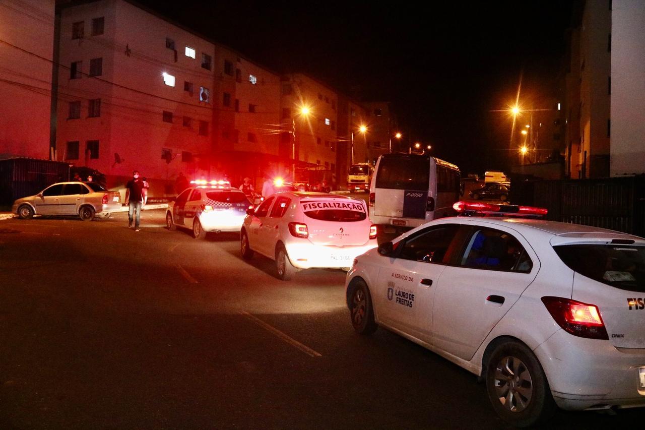 Novo decreto restringe atividades noturnas e retoma força-tarefa de fiscalização em Lauro de Freitas