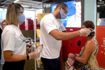 Especialista alerta para necessidade de manter cuidados sanitários pós-vacina