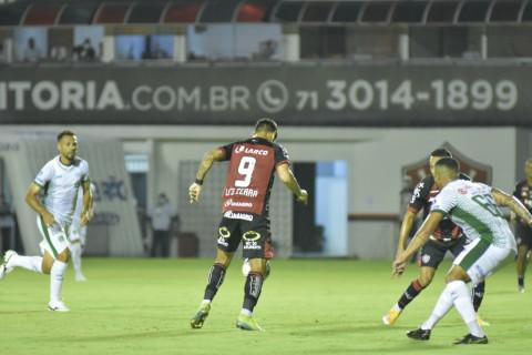 Vitória encara o Guarani na briga para fugir do z-4 da Série B