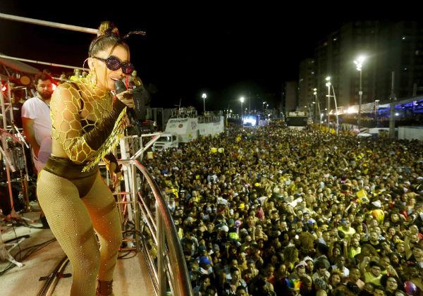 Feriado do Carnaval está mantido e festa fica a cargo de governadores, diz ministro