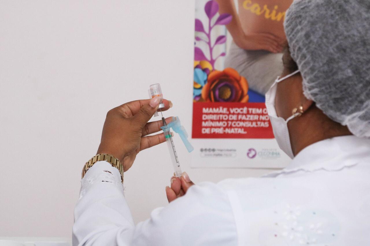 Lauro de Freitas já aplicou 100% das doses da vacina Coronavac