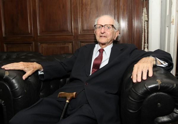 Morre o ex-governador e ex-reitor da Ufba Roberto Santos