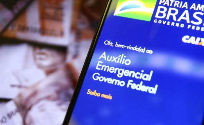 Governo deve anunciar volta do auxílio depois do carnaval, diz jornal
