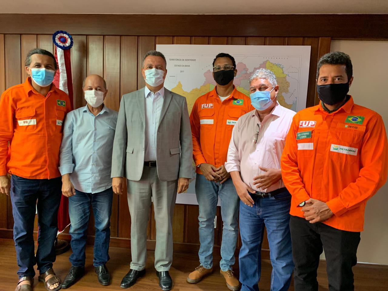 Deputados e sindicalistas discutem venda da RLAM com o Governador Rui Costa