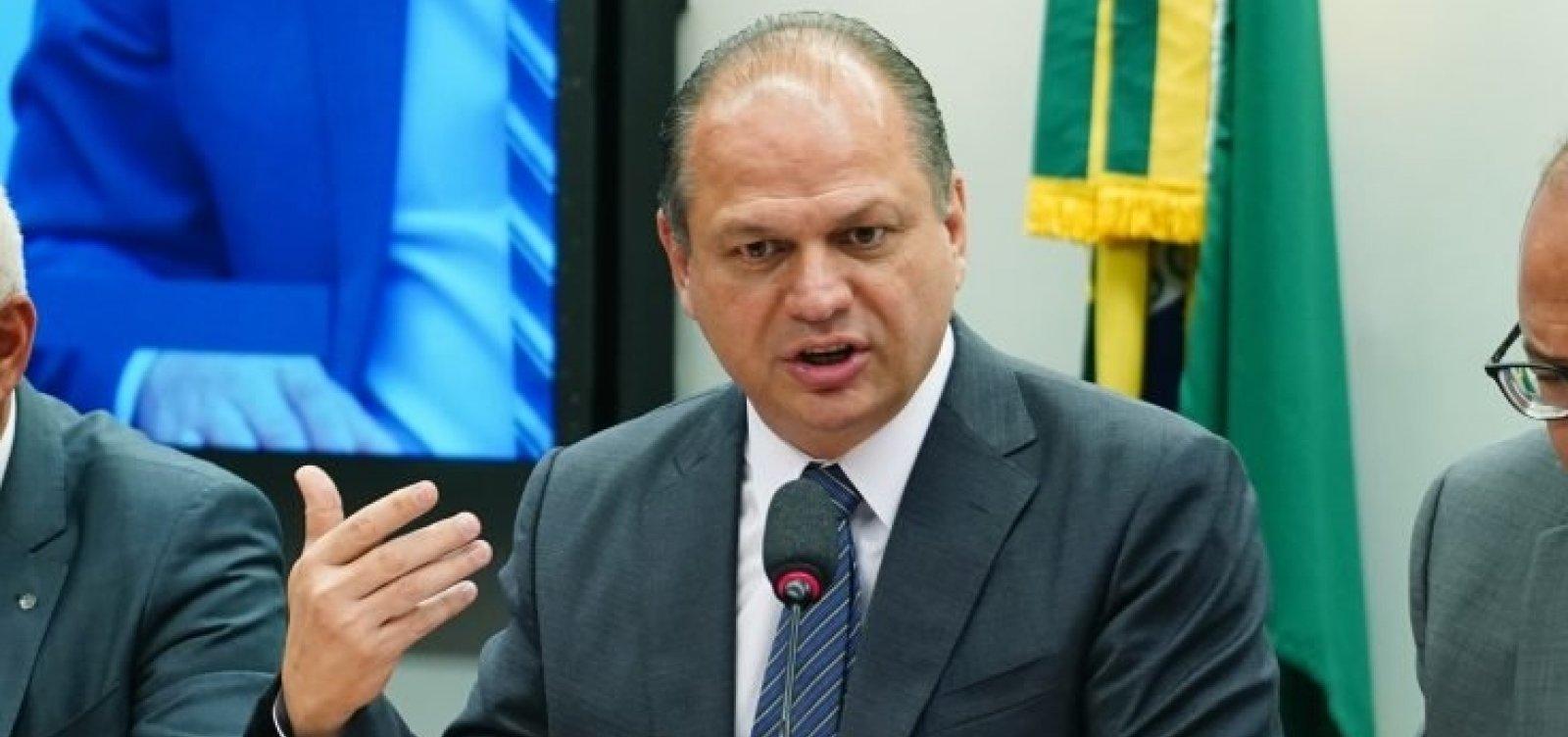 Em meio a recordes de mortes por Covid-19, líder do governo diz que situação do país é 'até confortável'
