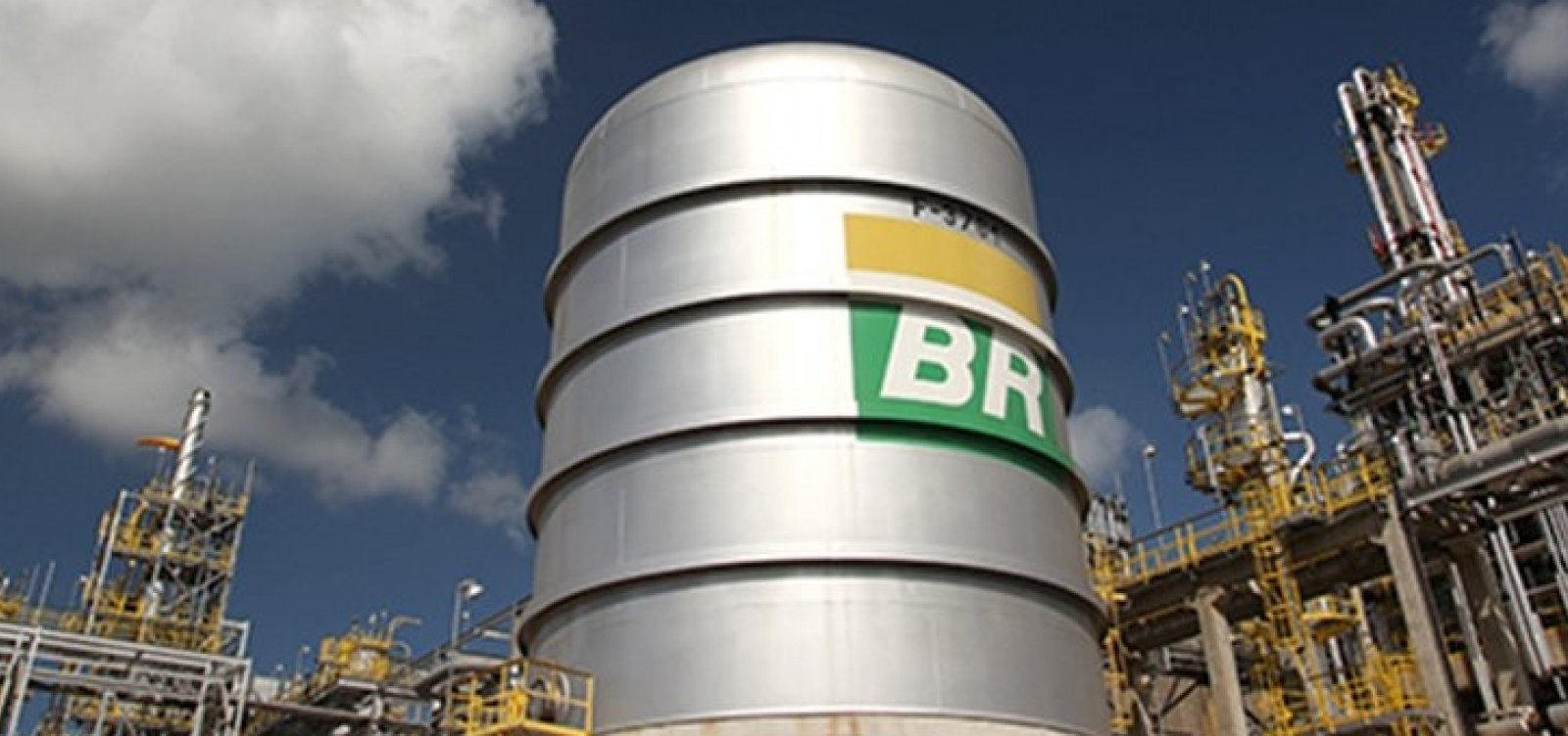 Petrobras anuncia nova alta no preço dos combustíveis a partir desta terça-feira