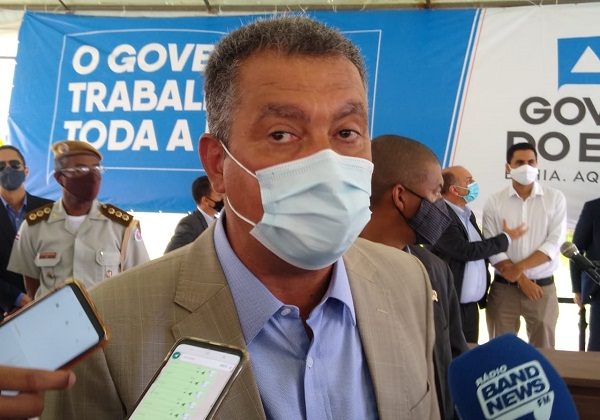 Governador diz que taxa ativa de contaminação teve queda de 2 mil casos nos últimos três dias