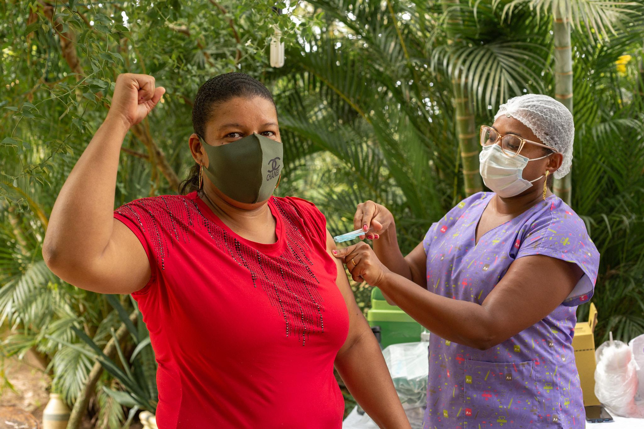 População indígena e quilombola é vacinada contra a covid-19 em Lauro de Freitas
