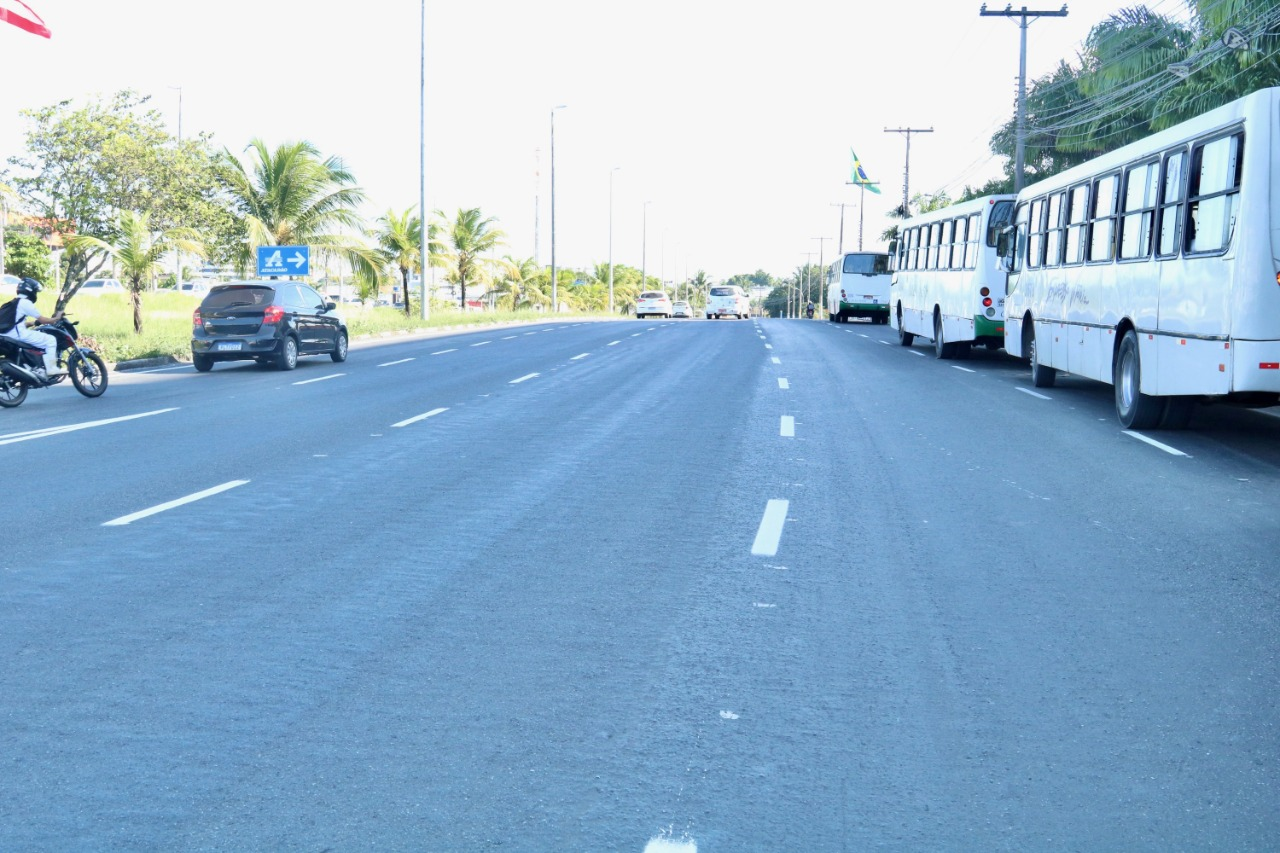 Requalificação da Estrada do Coco traz melhorias para o tráfego. Obras serão concluídas em junho