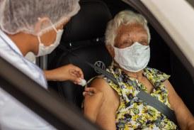 Pessoas com comorbidades de 40 anos ou mais recebem 1ª dose em Lauro de Freitas nesta quinta-feira (06)