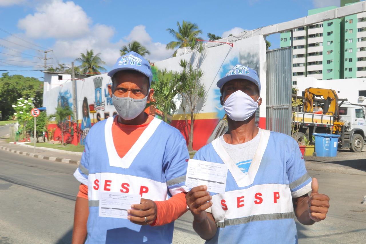 Lauro de Freitas vacinou mais de 390 agentes de limpeza pública neste sábado (22)