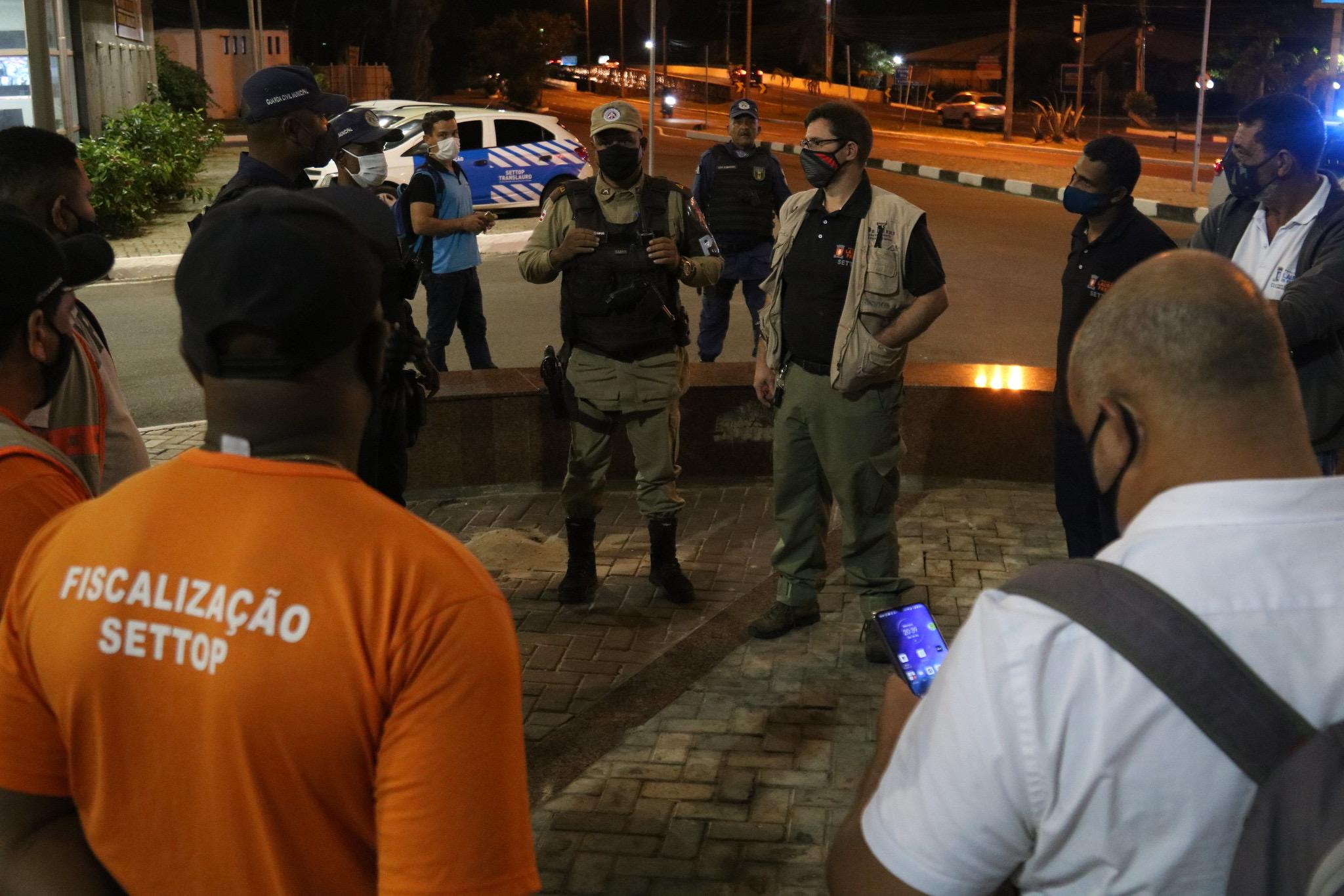 Novo decreto altera horário de restrição noturna e de circulação do transporte público. Venda de bebidas alcoólicas será suspensa no dia 23