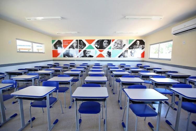 'Se a taxa de covid permanecer abaixo de 80%, as aulas presenciais voltarão', diz Rui