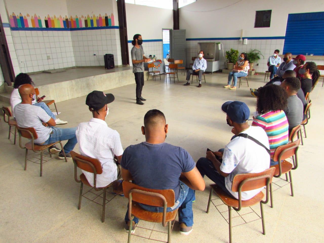 Prefeitura abre roda de conversa sobre álcool e drogas para jovens de Lauro de Freitas