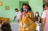 Assistidos dos CRAS de Lauro de Freitas recebem kit de hortifrúti