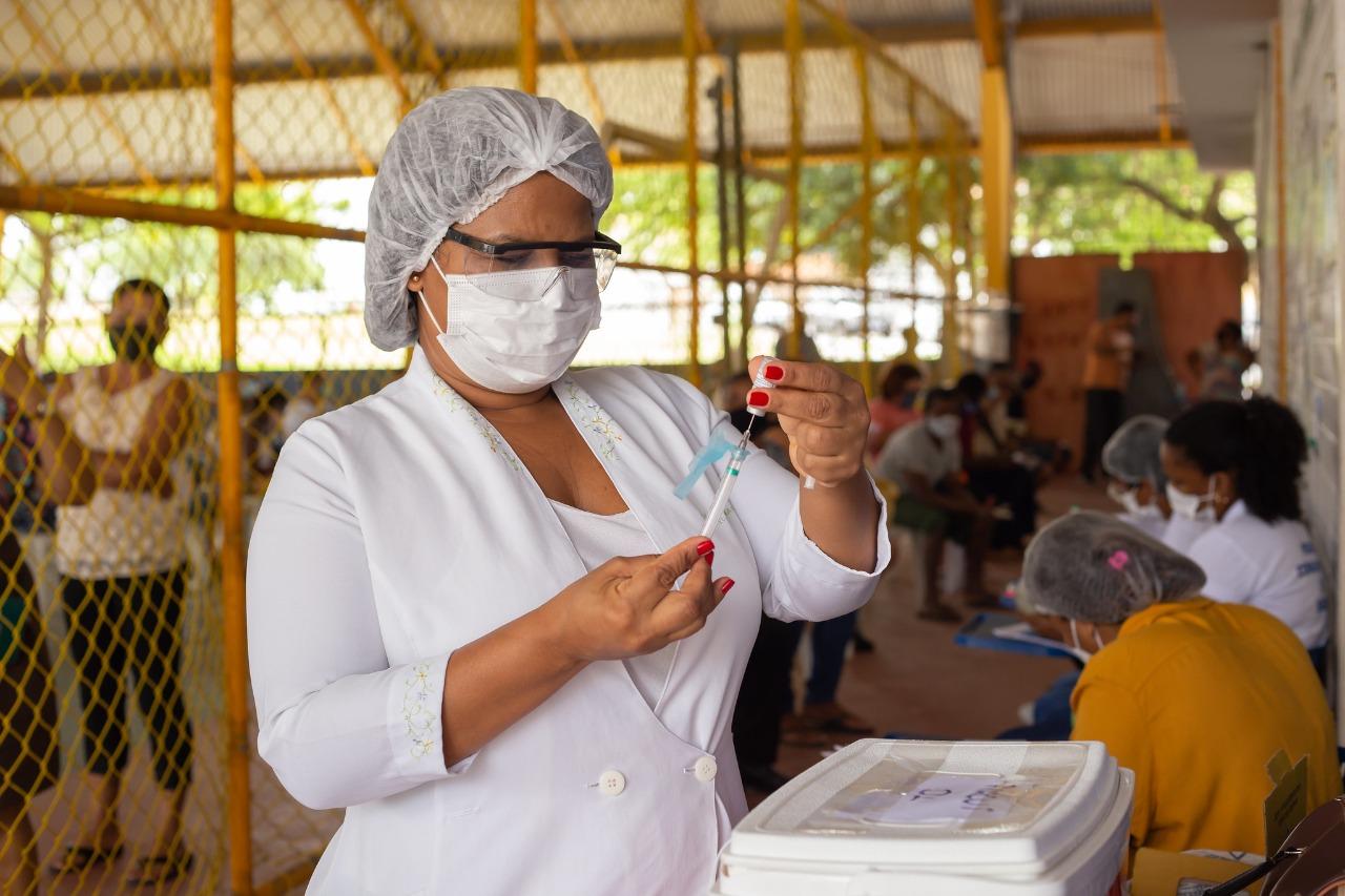 Lauro de Freitas começa a imunizar pessoas com 55 anos ou mais nesta sexta-feira (11)