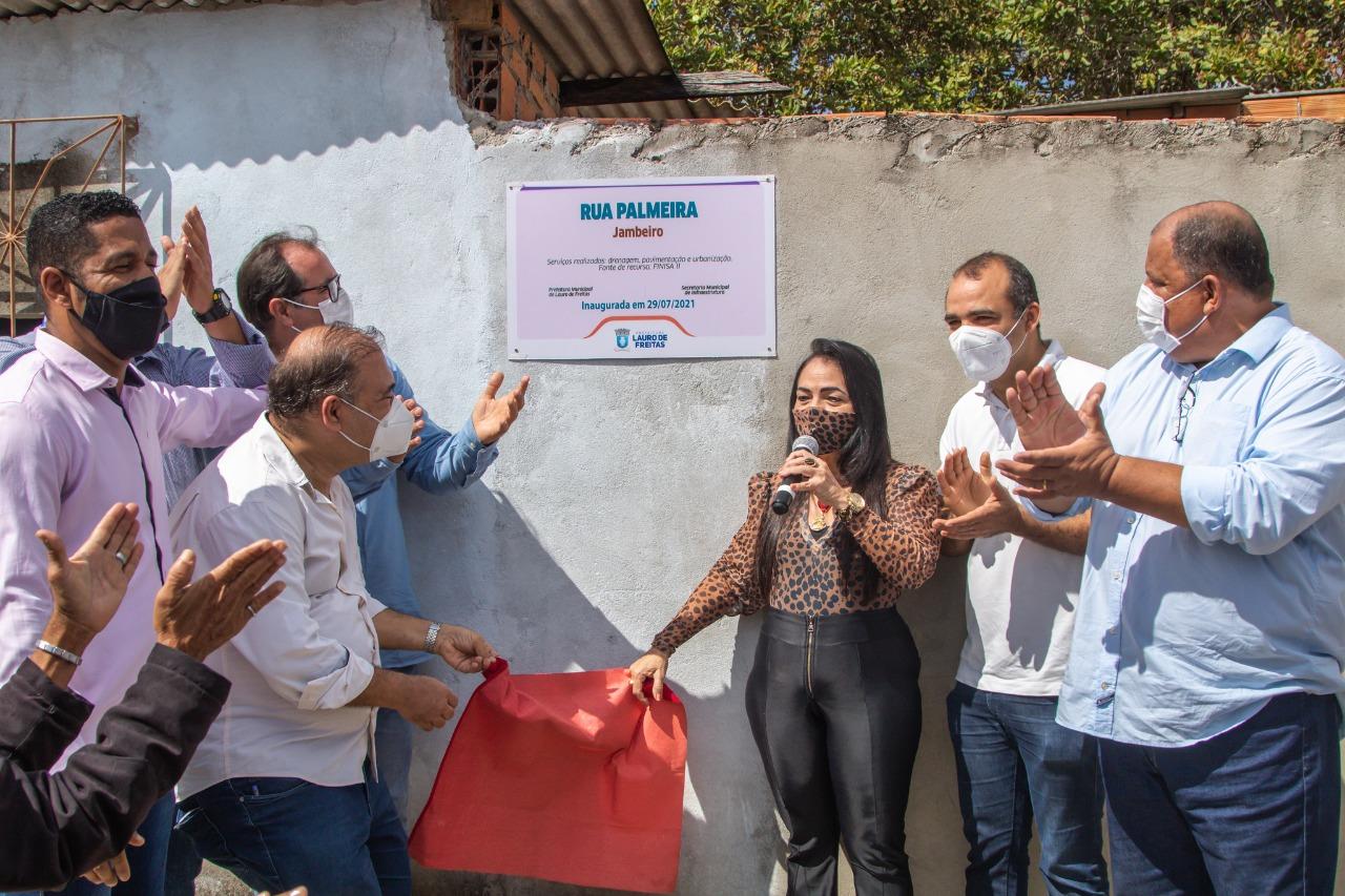 Ruas pavimentadas e equipamentos esportivos são entregues à população em comemoração aos 59 anos de Lauro de Freitas