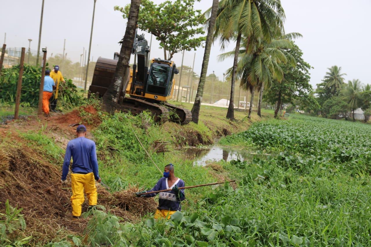 Operação Chuva intensifica limpeza de córregos e redes de drenagem