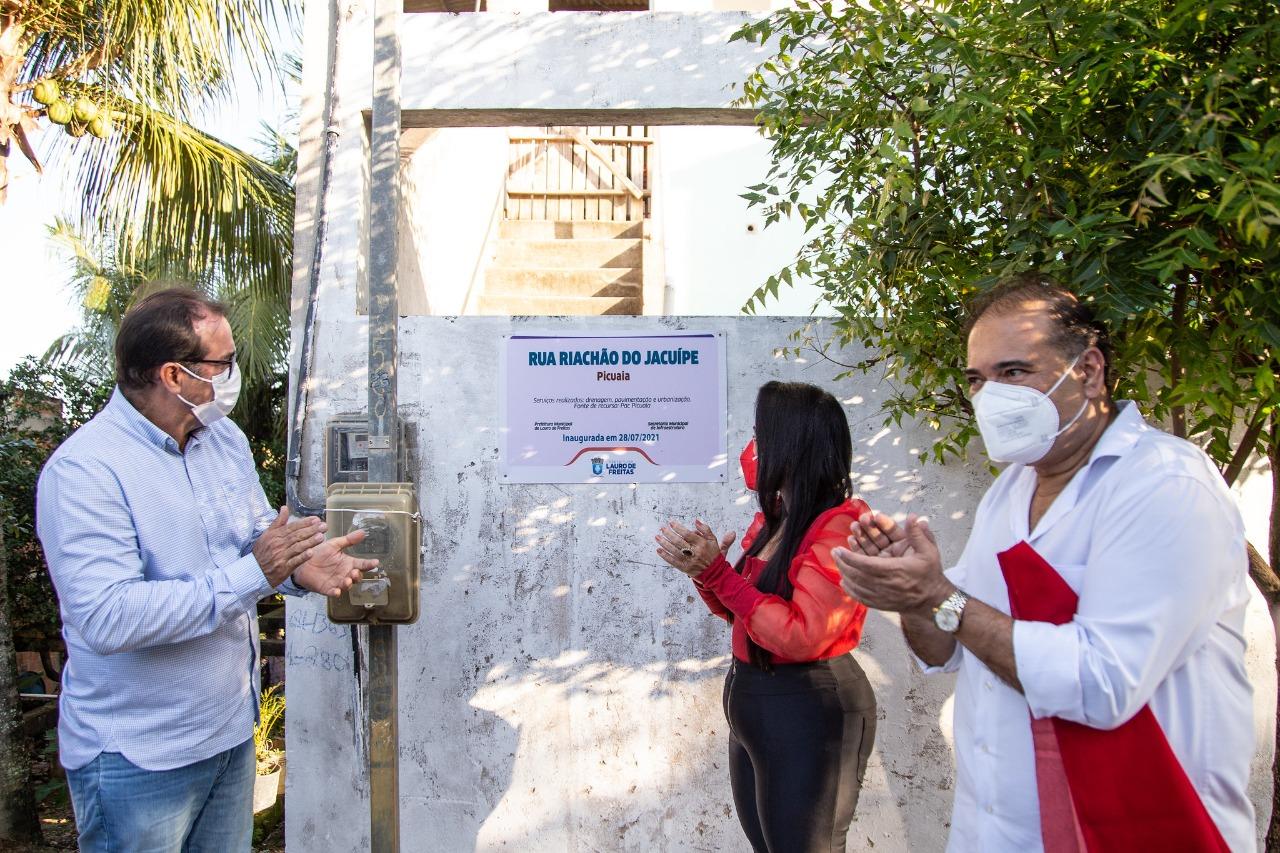 Prefeitura entrega pavimentação asfáltica de cinco ruas no bairro do Caji