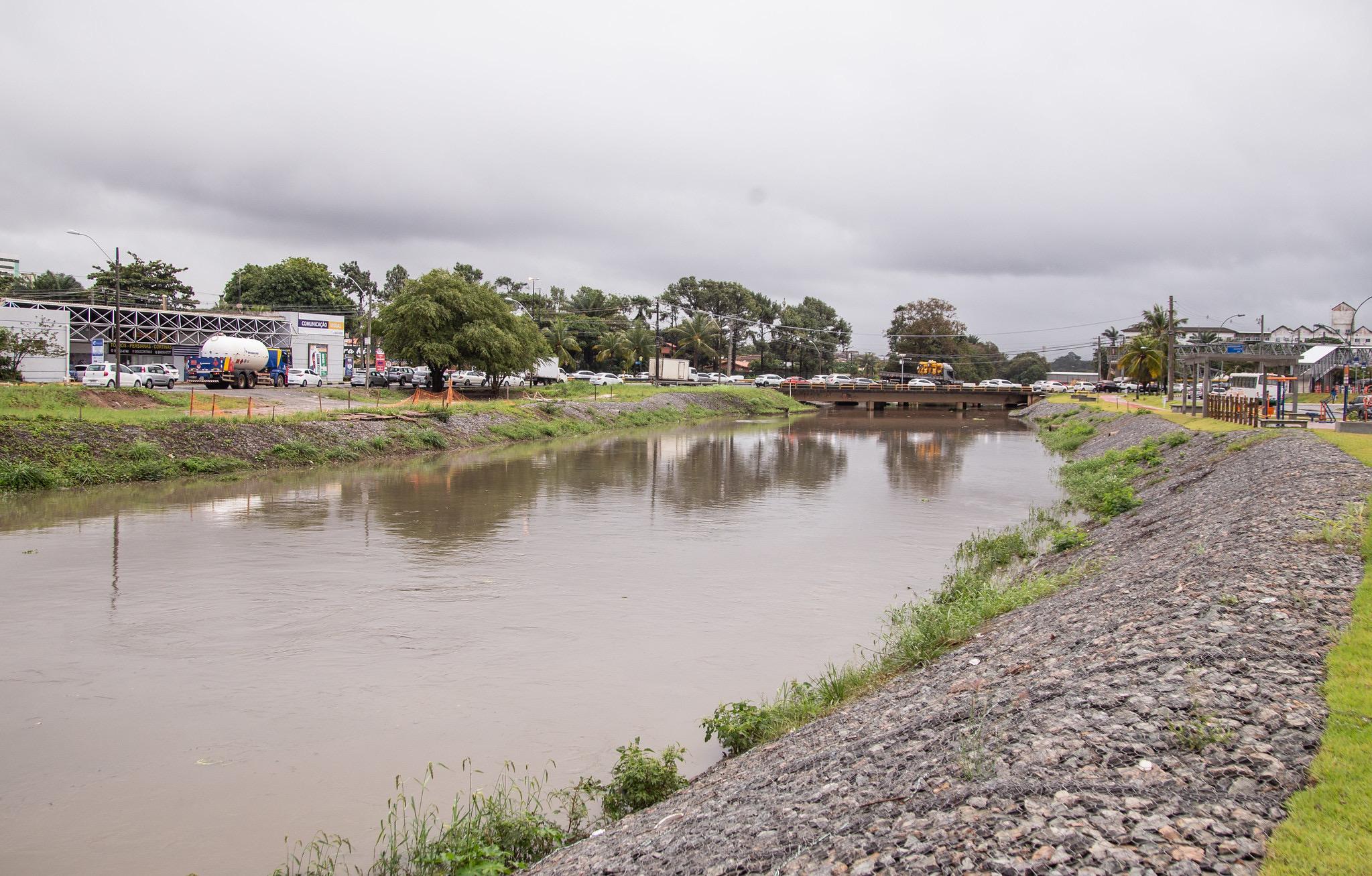 Em Lauro de Freitas, volume de chuva em 24 horas corresponde a mais da metade do previsto para todo o mês de julho
