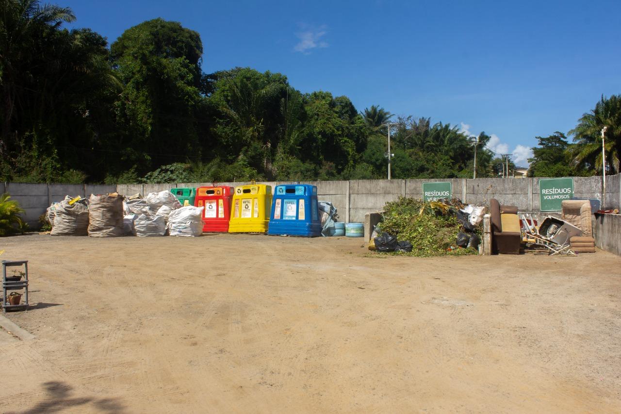 Mais de 300 toneladas de lixo reciclável foram recebidas pelo Ecoponto de Lauro de Freitas no último semestre